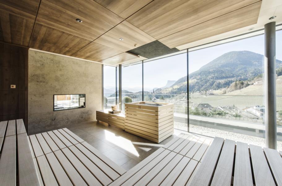 05_ALPIANA-RESORT_Sky-SPA-Mountain-View_Panorama-Sauna_©-guenterstandl.de_