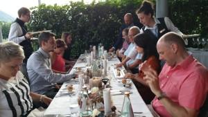 Gourmet Around Tisch